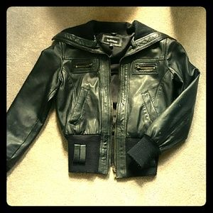 Cropped genuine leather jacket